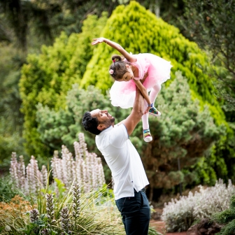 Playful natural style photography by Alex Pallett from Buninyong.